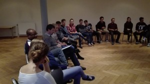 Gespräch der St. Ruperter SchülerInnen mit Br. Reiner und P. Egyd